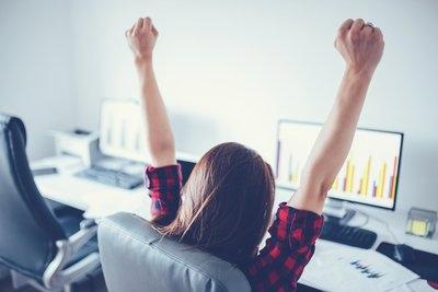你认为年轻人找工作把什么放第一位?不该把挣钱作为首要条件吗?